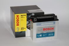 BOSCH M4 FreshPack 12 V 18 Ah 200 A YB18L-A