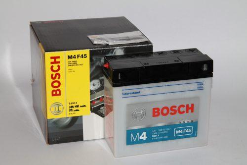BOSCH M4 FreshPack 12 V 19 (20HR) Ah 100 A 51913
